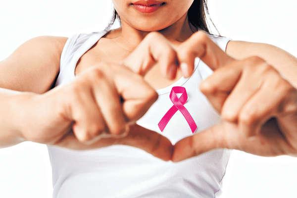 行動支持!粉紅十月~2015「關注乳癌運動」