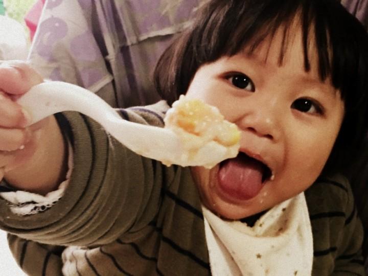 【大面人成長手記】培養自行進食的寶寶